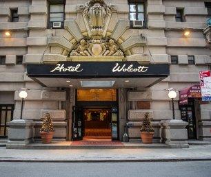 Wolcott_Hotel_Front_Door
